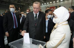 Erdoğan, yeniden AKP Genel Başkanlığı'na seçildi