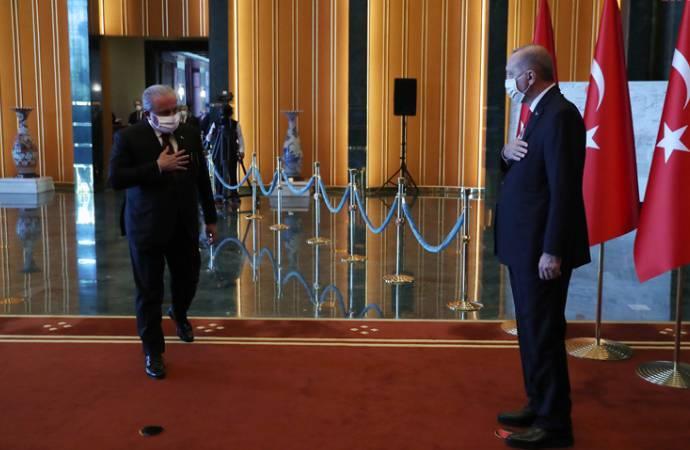 AKP'li Cumhurbaşkanı Erdoğan, Meclis Başkanı Şentop'la görüştü