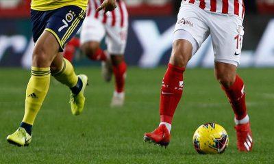 Fenerbahçe, Antalyaspor ile karşılaşıyor: İşte muhtemel 11'ler ve maç notları