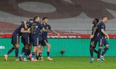 Fenerbahçe deplasmanda Konya'yı rahat geçti