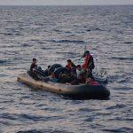 80 göçmen denize atıldı: En az 20'si hayatını kaybetti
