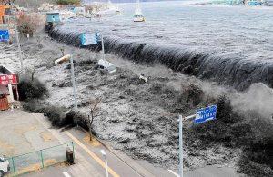 Japonya'da 10 yıl önce tsunami nedeniyle kaybolan kadının cesedi kıyıya vurdu