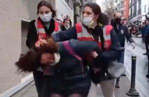 Erdoğan: Bir insanlık suçu olarak gördüğüm kadına yönelik her türlü şiddeti kınıyorum