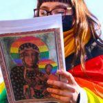 Meryem Ana'yı LGBTİ+ sembolüyle tasvir eden aktivistler beraat etti