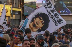 Maradona için sokaklara döküldüler