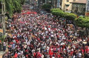 Myanmar'da öldürülen protestocu sayısı 459'a ulaştı