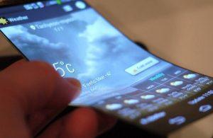 Samsung kıvrılabilir ekranlar akıllı telefon sektörüne bomba gibi düştü