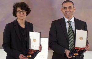 Uğur Şahin ve Özlem Türeci'ye en üst düzey devlet madalyası olan Liyakat Nişanı verildi