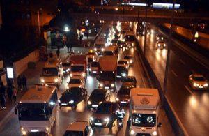 İstanbul'da kısıtlama saatinde bile trafik kitlendi