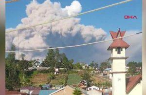 Sinabung Yanardağı'nda patlama