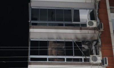 İzmir'de apartman yangını: CHP'li Belediye Başkanı hastaneye kaldırıldı