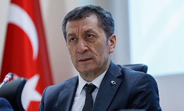 Milli Eğitim Bakanı Selçuk'un paylaştığı fotoğraflar çalıntı çıktı