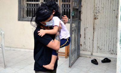 Kapıyı üzerine kilitlediği kızı itfaiye kurtardı: Rezil oldum