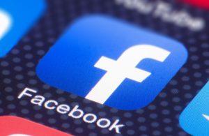 Facebook şimdi de yarım milyar kullanıcının bilgilerini çaldırdı!