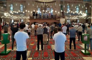 23 Nisan yasak, cemaatle cuma namazı serbest