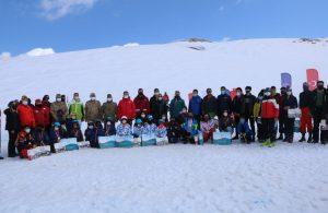 Hakkari'de kayak yarışması
