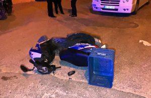 Yolcu minibüsü ile motosiklet çarpıştı: 2 yaralı