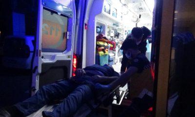 Otomobiliyle evin duvarına çarpan alkollü sürücü yaralandı