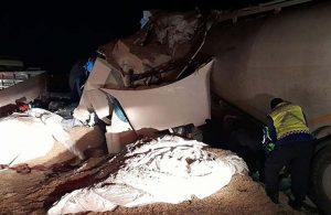 TIR ile beton mikseri kafa kafaya çarpıştı: Şoförler hayatını kaybetti
