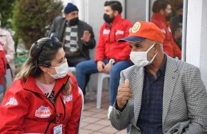 Büyükşehir Derman ekipleri, hastalara moral için seferber oldu