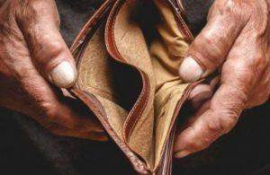 Emeklilerin bayram ikramiyesine 'zam' 100 lira!