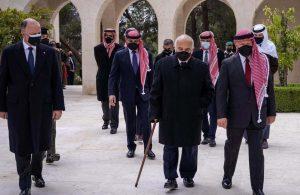 Ürdün'de 'darbe girişimiyle' suçlanan Prens Hamza, Kral Abdullah'la görüntülendi