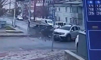 Cip ile otomobilin kazası kamerada: 5 yaralı