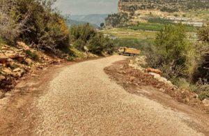 Tarsus'ta bozuk yol kalmayana kadar çalışmalar devam edecek