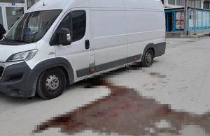 Park halindeki araçtan sızan kan paniğe neden oldu