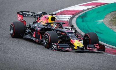 Verstappen Hamilton'ın hatasını affetmedi, Imola'da güle oynaya kazandı