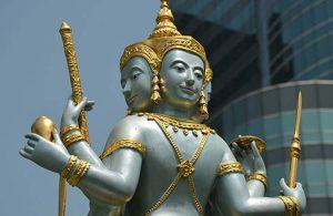 Kendini Buda'ya adamak için giyotinle kafasını kesti