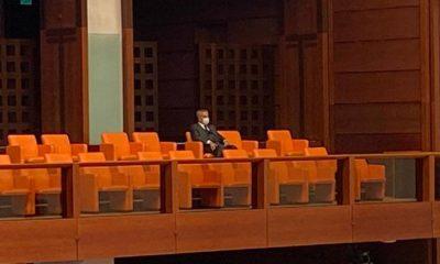 Bülent Arınç, TBMM'deki özel oturumu tek başına izledi