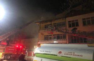 İş merkezinin çatısında yangın çıktı; meraklı kalabalık tedbirleri hiçe saydı