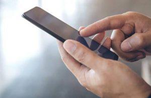 Telefonuna program indirdi, 234 bin lirasını dolandırıcıya kaptırdı