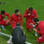 Türkiye tarihinde bir ilk! Maçı durdurup oruç açtılar