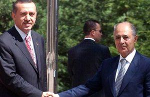"""""""Erdoğan, Ahmet Necdet Sezer'i mumla arıyor"""""""