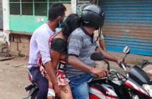 Koronadan ölen annelerini motosiklette taşıdılar