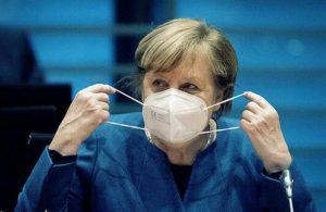 Angela Merkel AstraZeneca aşısı oldu