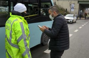 Ceza kesilen sürücü minibüsü bırakıp gitti: Bu araç buradan gitmeyecek