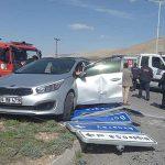 Niğde'de otomobil ile kamyon çarpıştı: 5 yaralı