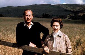 Prens Andrew: Kraliçe'nin hayatında büyük bir boşluk oluştu