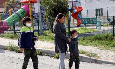 Parkta çocuklar gürültü yapıyor diye tüfekle ateş açtı
