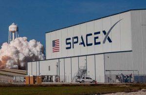 SpaceX'in 4 astronotu taşıyan 'Crew Dragon' mekiği Uluslararası Uzay İstasyonu'na ulaştı