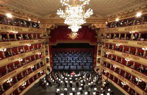 İtalya'da 500 kişilik konser düzenlendi