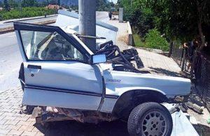 Otomobil iki parçaya ayrıldı