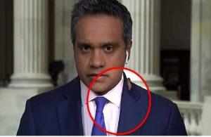Böcek, CNN muhabirine panik yaptırdı