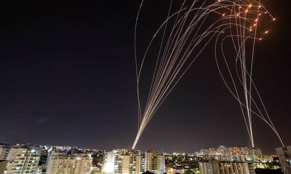 Hamas'tan 130 füzeyle saldırı! İsrail'den 'büyük bedel ödeyecekler' açıklaması
