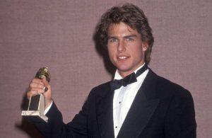 Tom Cruise üç ödülünü iade ediyor