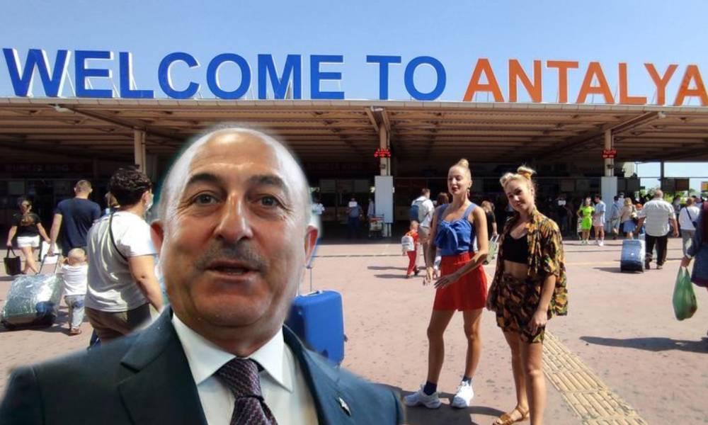 CHP'den Çavuşoğlu'na tepki: Turiste görünürsen aşı var, turistle aynı denizde yüzersen ceza var