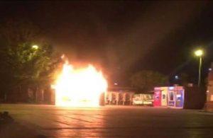 Korkulan oldu: Halk ekmek yangını kundaklama çıktı